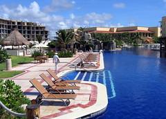 Pool (geog) Tags: mexico hotel resort elcid quintanaroo