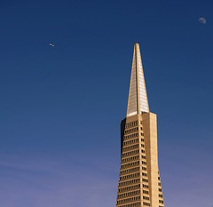 Transamerica Pyramid () Tags: sf sanfrancisco above camera city vacation sky moon holiday building tower festival architecture skyscraper plane airplane design fly nikon pyramid aircraft flight jet thecity fair aerial virgin northbeach airbus washingtonsquare highrise pyramids transamerica 70300mm rtw aereo transamericapyramid airliner vacanze avion pirmides a320 roundtheworld sfist atop globetrotter transamericabuilding  areo airbusa320 saofrancisco northbeachfestival northbeachfair worldtraveler  d700 nikond700