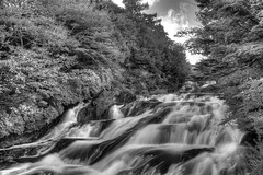 Deep Nikko in Autumn- B&W Waterfall (Gideon Davidson) Tags: autumn nikko hdr tochigi japanhdr