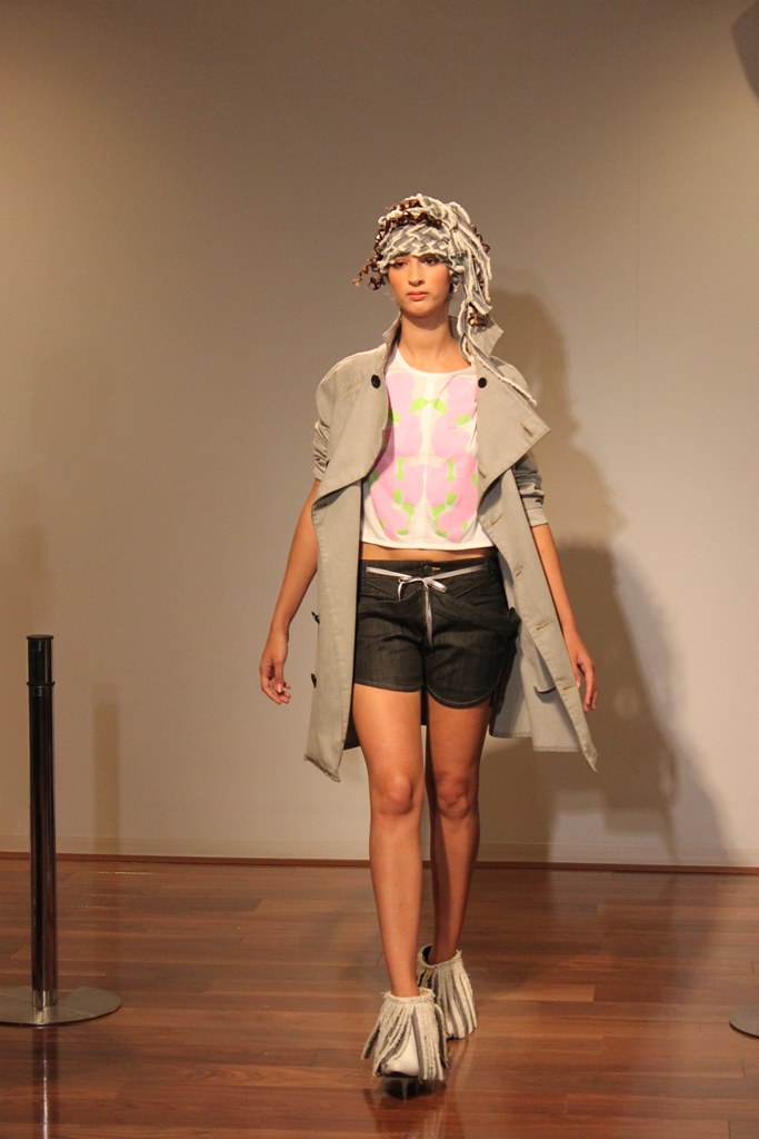 """Naoshi Sawayanagi Collection """"Japan Fashion Week in TOKYO 2010″ (15)"""
