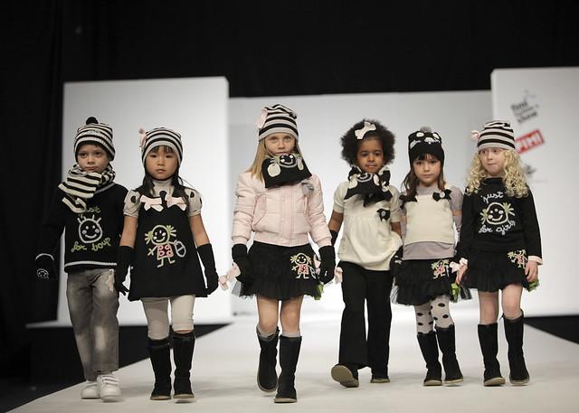 Lourdes, conjuntos de ropa para niños y niñas de Lourdes, moda infantil de Olaire Infantil colección de invierno