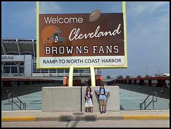 Cleveland Browns Sign