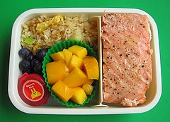Salmon & fried rice lunch (Biggie*) Tags: food lunch box salmon mango arbutus bento pesto friedrice blueberries packedlunch chickenrice bentobox strawberrytree biggie tonkiang chickenfriedrice brownbag lunchinabox farmedsalmon pestosauce strawberrytreefruit arbutusberry arbutusberries sacklunch bakedsalmon bentoblog brownbaglunch ssbiggie lunchinaboxnet tonkiangfriedrice twittermoms