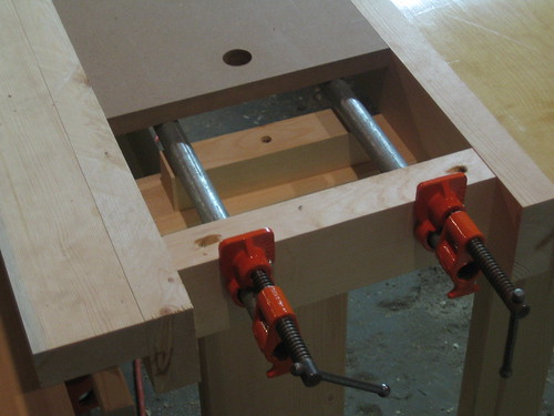clamp heads installed on the lateral bars