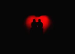 el amor es así, lo sé (quino para los amigos) Tags: friends red black amigos art love fun hug couple alone play heart cuento theatre pareja amor relationship enjoy silueta corazón obra abrazo hag solos silluette chercherlafemme onlythebestare top20argentina elamoresasilose