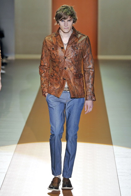 Anthon Wellsjo3038_SS11_Milan_Gucci(first VIEW)