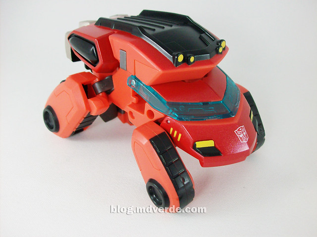 Transformers Ironhide Animated Deluxe Takara - modo alterno