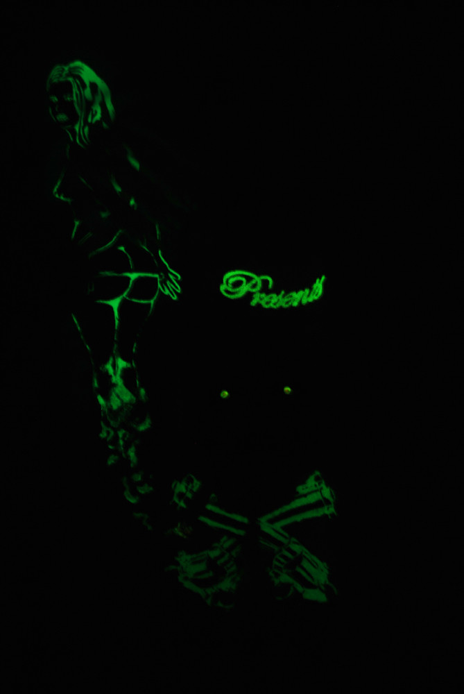 Customized FUSS Pinup Tshirt Glow in the dark (MEN)