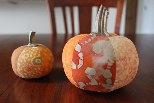 Finished pumpkin pin cushions