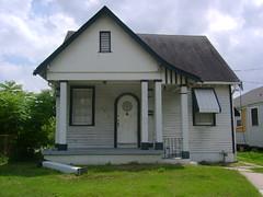 4916 Howard Ave