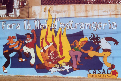 Casal Antoni Sala i Font - Fora la llei por muralsppcc.