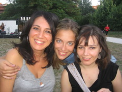 Francesca, Maria Elia and me (sandraLE) Tags: flickr meeting bologna angolobmeeting0713