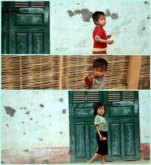 Little souls in a ruined village, Sapa (danise) Tags: kids vietnam childrens sapa proverty