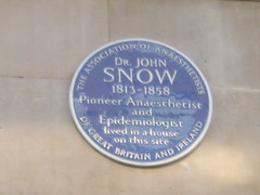 Photo of John Snow blue plaque