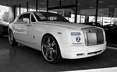 Rolls Royce Phantom Coupe (Monkey Wrench Media) Tags: uk arizona england white wheel waterfall inch unitedkingdom 26 britain united wheels lot kingdom rr rollsroyce az headlights front grill chrome showroom british rolls scottsdale elegant phantom 2008 coupe royce dealership dealer 100ex customwheels englishwhite lexani dropheadcoupe 26inch scottsdaleferrari worldcars lexaniwheels