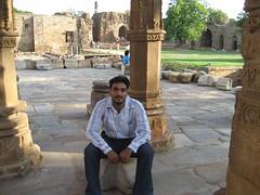 Qutub Minar - 23-Jun-2007 034 (Bhagwant Sidhu) Tags: qutub minar 23jun2007
