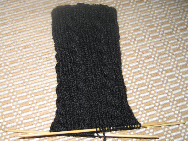 black_cable_sock