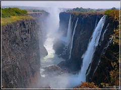 Victoria Falls Series - Zambian Side (hannes.steyn) Tags: africa nature water lumix fz20 panasonic waterfalls rivers getty victoriafalls 5000 zambia zambezi thebigone wonderworld amazingtalent interestingness225 2for2 i500 1500v60f 25faves abigfave worldbest superaplus aplusphoto 200750plusfaves firsttheearth megashot superhearts frhwofavs explore20071003 onlythebestare platinumheartaward hannessteyn excapture thechallengegame challengegamewinner worldwidelandscapes world100f mslandscape worldtrekker i500set1