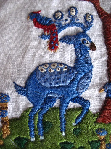 pocket - embriodery finished detail deer