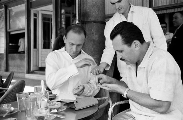 Amigos de Harry Weber en la terraza del Café Español de Toledo en septiembre de 1962. Fotografía de Harry Weber. Österreichische Nationalbibliothek