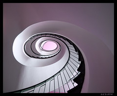 pearly (sediama (break)) Tags: pink light architecture stairs germany licht pentax shell rosa sigma treppe staircase architektur bremen 1020mm pearly escaliers treppenhaus abigfave k20d sediama bigp1741