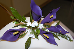 Use Sugar Flowers To Decorate Your Cakes