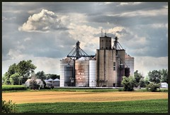 Holder Grain Elevator (Rascaille Rabbit) Tags: soe holder blueribbonwinner flickrsbest mywinners mcleancounty holderillinois holdergrainelevator evergreenfs