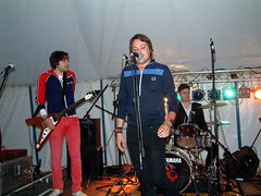 Subliminal Girls (Paul Maps) Tags: girls music festival shoes good farm lounge canterbury rosemary moths billy subliminal childish the noisettes