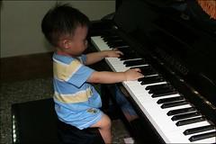 彥彈鋼琴09