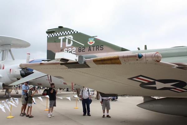 EAA10_F-4E_64