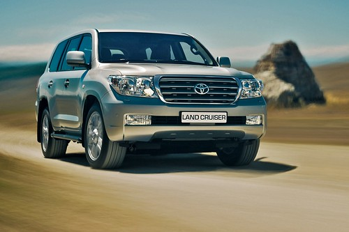 Фото новой Toyota Land Cruiser (Тойота Лэнд Крузер)