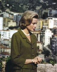Grace Kelly (Famous Fashionistas (First)) Tags: monaco 1960s 1962 gracekelly balenciaga vintagefashion 1960sfashion