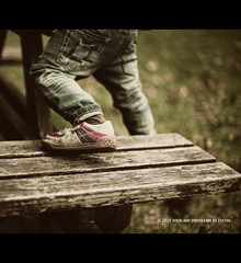 Step (.fulvio) Tags: family autumn baby fall canon foot kid shoes child bokeh step did fulvio gp9 3rdyear ef50f14usm 5dmarkii fall2010 gismaster wwwdofphotocom familygetty2010