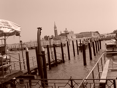[...] (amliewhostares) Tags: venice outside mare seppia