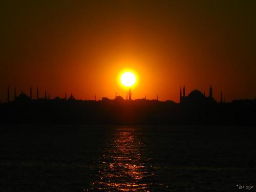 Aynı gün aynı güneş / Same day same sun
