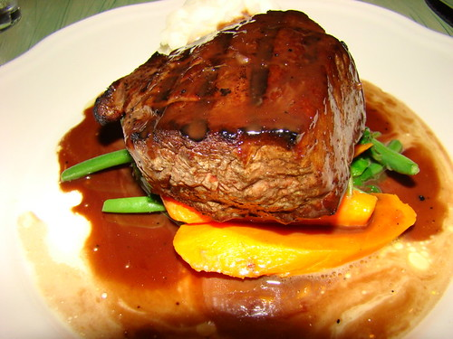 grilled Filet Mignon with Red wine Sauce