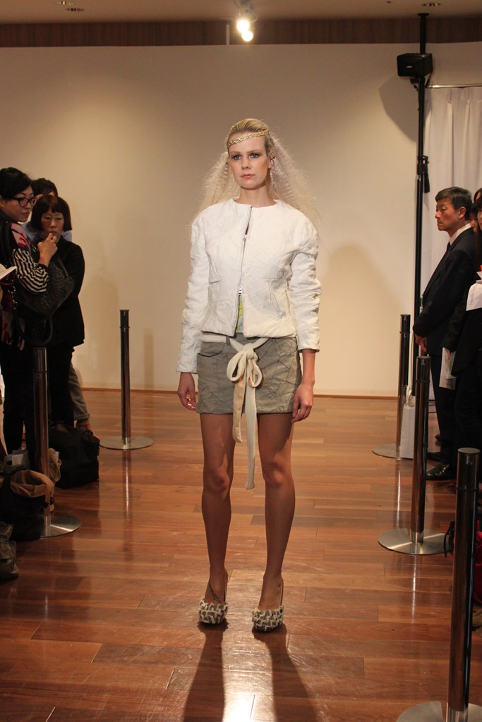 """Naoshi Sawayanagi Collection """"Japan Fashion Week in TOKYO 2010″ (18)"""