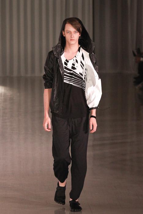 Daniel Hicks3051_SS11_Tokyo_MOLFIC(Fashionsnap)