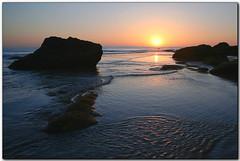Rising Tide, Hiding Sun (Silvia de Luque) Tags: sunset sun sol atardecer andaluca bravo tide cdiz conil marea supershot magicdonkey alhambra2006 silviadeluque abigfave anawesomeshot aplusphoto superbmasterpiece diamondclassphotographer excellentphotographerawards calasderoche gmntema aplusphoto0