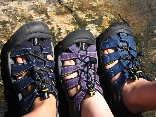 sandals keen
