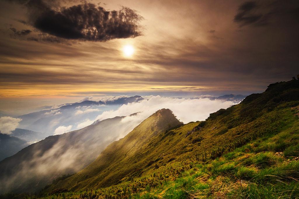 合歡山 主峰 雲端日落