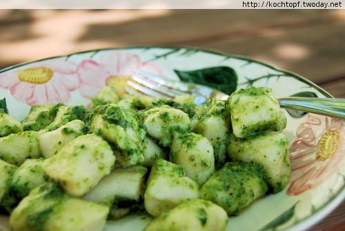 15-Minuten-Gnocchi mit Radiesligrün-Pesto