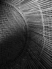 Dry Sun | Sol seco (Andre Carregal) Tags: bw sun white abstract black sol lines linhas branco circle dry pb preto semi seco crculo