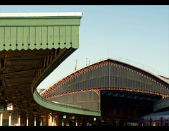 Reciprocating curves (archidave) Tags: roof station bristol temple geometry curves great victorian arc engineering railway western canopy trainshed gwr meads valance