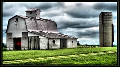 Decay (K2D2vaca) Tags: clouds barn rural landscape countryside illinois view searchthebest cloudy decay farm farmland silo centralillinois welcomeall supershot k2d2vaca