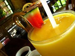 ripe mango juice