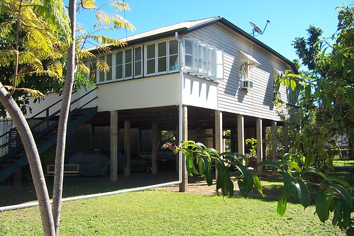 Another Queenslander house