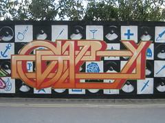 Gary (Tatty Seaside Town) Tags: graffiti brighton graf gary ha notag newenglandquarter september2007 tattyseasidetown