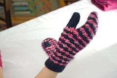 daisy stitch mittens