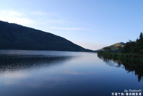 清晨鯉魚潭超美